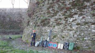 rifiuti dalle mura2